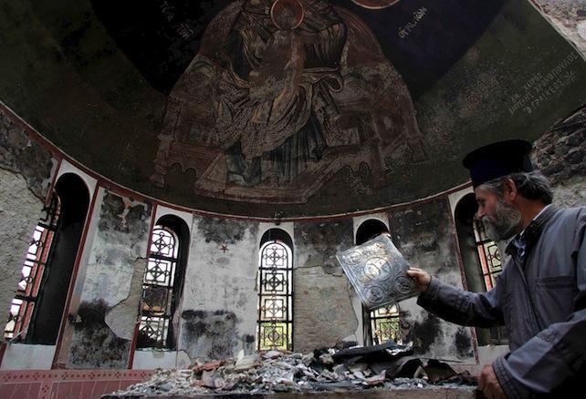 chiesa-distrutta-rovina-ansa