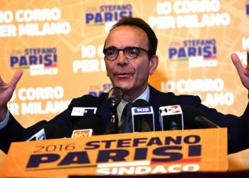 Centre-right candidate, Stefano Parisi, during his press conference in Milan, 06 June 2016. In Milan the run-off will be between Parisi, and the centre left's Giuseppe Sala, the former head of Milan Expo 2015. ANSA/ DANIEL DAL ZENNARO