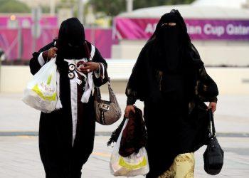 epa02532492 Qatari women soccer supporters arrive for the AFC Asian Cup Qatar 2011 group A soccer match between Qatar and Kuwait at Khalifa International Stadium in Doha, Qatar, 16 January 2011.  EPA/STRINGER