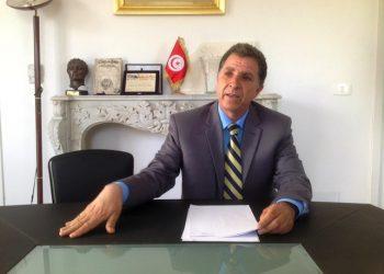 """Il curatore del Museo del Bardo, Moncef Ben Moussa. Dopo la riapertura e la decisione di lasciare i segni dei proiettili """"a vista"""" dell'attentato terroristico di un anno fa, il museo e' diventato un simbolo di riscatto e del rilancio del turismo tunisino. Tunisi, 21 aprile 2016. ANSA/ ANTONELLA LOMBARDI"""