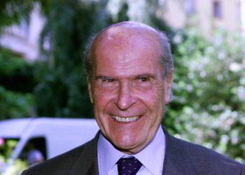 Umberto Veronesi in una immagine del 29 maggio 2000. ANSA/FARINACCI
