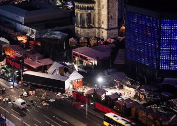 An aerial view shows the extent of the damage at the scene where a truck crashed into a Christmas market close to the Kaiser Wilhelm Memorial Church, in Berlin, Germany 20 December 2016. According to the police, at least 12 people were killed and at least 48 were injured after a truck ploughed into a busy Christmas market in Berlin. Authorities are investigating the incident as a 'possible terrorist attack,' media reported.  ANSA/BERND VON JUTRCZENKA