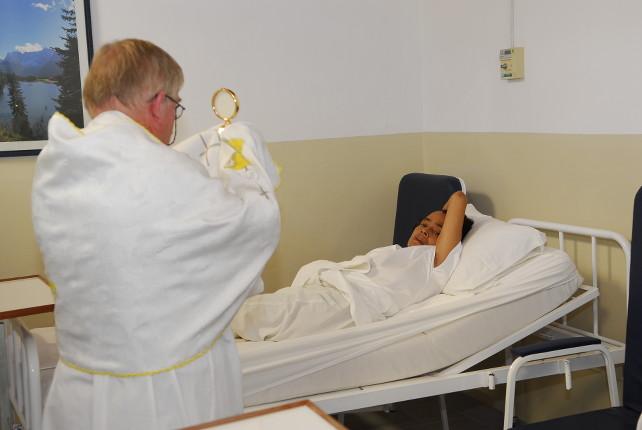 padre-aldo-trento-paraguay-clinica-divina-providencia-asuncion-1