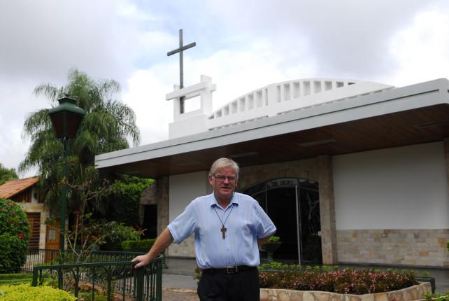 padre-aldo-trento-paraguay-parrocchia-san-rafael-asuncion-chiesa