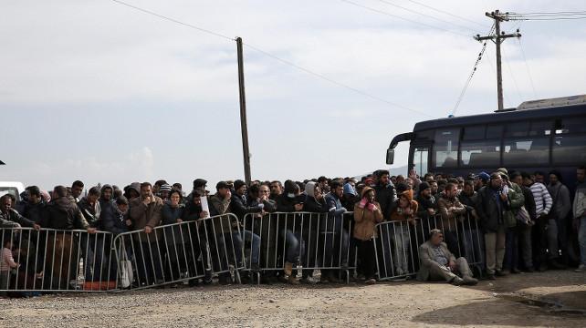 profughi-grecia-ansa