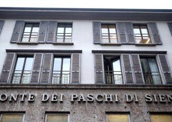 La sede del Monte dei Paschi di Siena in via Manzoni, a Milano, dove si Ë riunito il cda della banca, 19 dicembre 2016. ANSA/MATTEO BAZZI