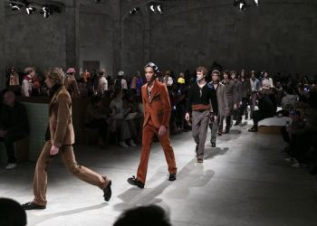 A creation of the Fall/Winter 2017/18 collection by Italian fashion label Prada during the Milan Fashion Week, in Milan, Italy, 15 January 2017. The fashion week runs from 13 to 17 January. ANSA/US PRESS OFFICE/ PRADA  +++ ANSA PROVIDES ACCESS TO THIS HANDOUT PHOTO TO BE USED SOLELY TO ILLUSTRATE NEWS REPORTING OR COMMENTARY ON THE FACTS OR EVENTS DEPICTED IN THIS IMAGE; NO ARCHIVING; NO LICENSING +++ +++EDITORIAL USE ONLY - NO SALES+++