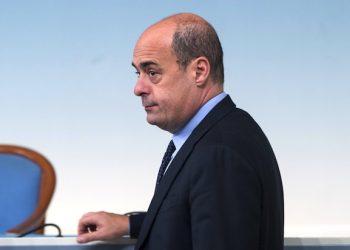 Il presidente della Regione Lazio, Nicola Zingaretti, durante la conferenza stampa a Palazzo Chigi a margine del Consiglio dei Ministri su emergenza Terremoto. Roma, 31 ottobre 2016. ANSA/CLAUDIO PERI