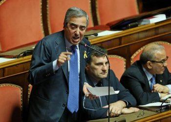 Il vicepresidente del Senato, Maurizio Gasparri, in Aula del Senato per il discorso sul semestre europeo, Roma, 24 giugno 2014. ANSA/ALESSANDRO DI MEO