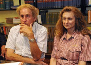 Da sx Luigi Deambrosis e Gabriella Carsano i genitori al quale il Tribunale dei Minori ha tolto la figlia perch? troppo anziani,Torino,17 settembre 2011 ANSA/ DI MARCO