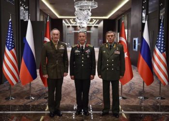 epa05835092 A handout photo made available by the Turkish Armed Forces General Staff Press Office on 07 March 2017 shows Chief of the General Staff of the Turkish Armed Forces, Hulusi Akar (C), US Chariman of the Joint Staff General Joseph Dunford (L) and Russian Chief of General Staff General Valery Gerasimov (R) after their meeting in Antalya, Turkey, 07 March 2017. Turkish, Russian and US Chiefs of General Staff met to discuss the recent operations against IS in Syria.  EPA/TURKISH ARMED FORCES GENERAL STAFF PRESS OFFICE HANDOUT  HANDOUT EDITORIAL USE ONLY/NO SALES