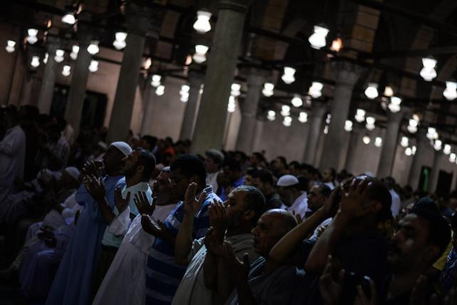 musulmani-preghiera-egitto-ansa