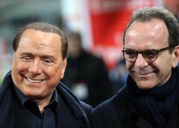 Ac Milan patron Silvio Berlusconi (left) attends with Stefano Parisi during the Italian serie A soccer match between AC Milan and SS Lazio  at Giuseppe Meazza stadium in Milan, 20 March 2016.  ANSA / MATTEO BAZZI