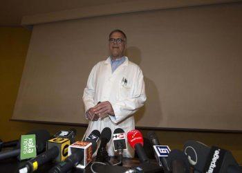 Alberto Zangrillo, il medico personale di Silvio Berlusconi durante una conferenza stampa all'ospedale San Raffaele di Milano, 9 giugno 2016. ANSA/STEFANO PORTA