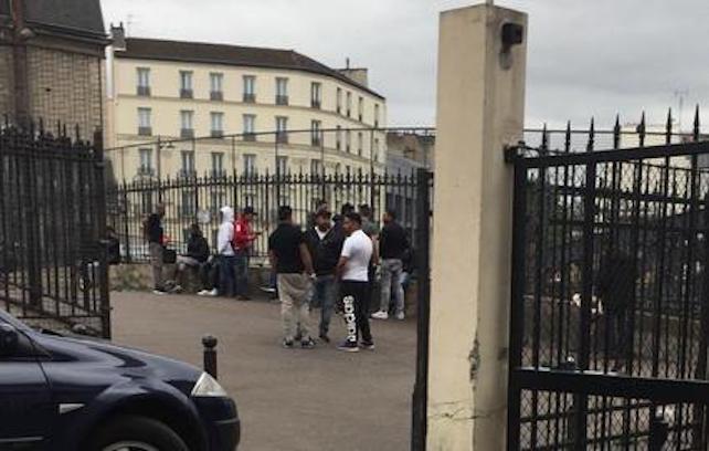 Quartier Chapelle Pajol, les hommes tiennent les rues et les femmes sont devenues indesirables