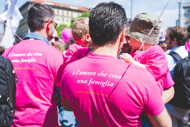 genitori-gay-shutterstock_416990101