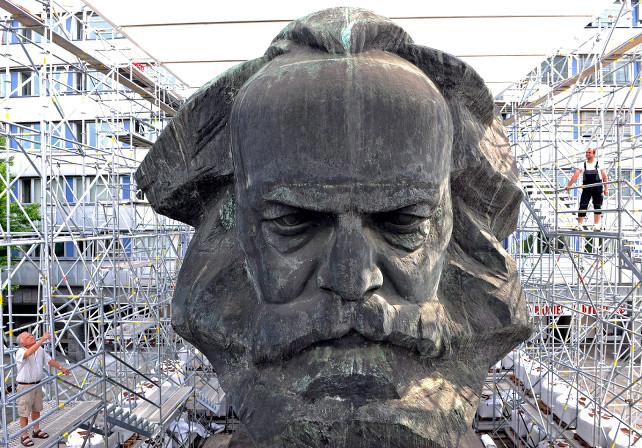 karl-marx-statua-ansa