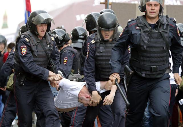 russia-arresti-protesta-giovani-corruzione-mosca-ansa