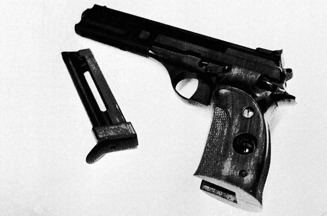 beretta-calibro-22-pistola-mostro-firenze-ansa