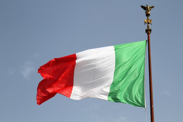 italia-bandiera-shutterstock_716610883