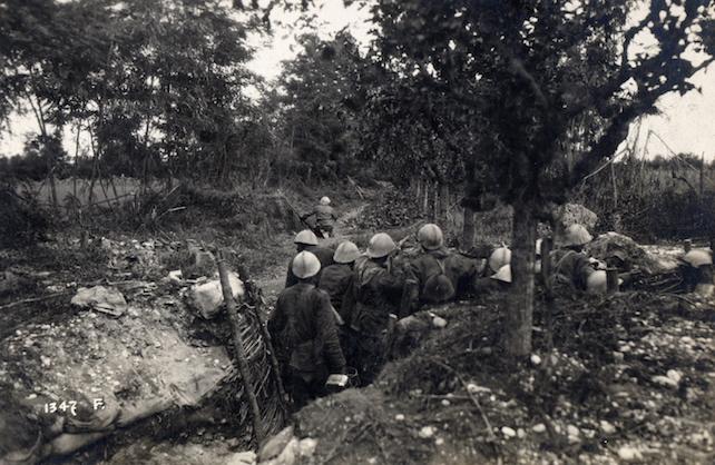 WWI_-_Battle_of_Caporetto_-_New_Italian_Line_at_the_Piave_River_-_trenches_near_Case_Ruei