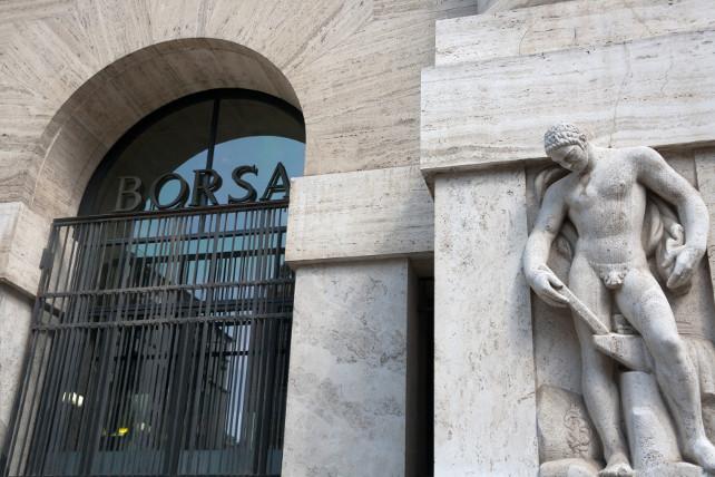 borsa-milano-piazza-affari-shutterstock_152224211