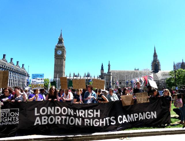 aborto-irlanda-manifestazione-londra-shutterstock_657062779