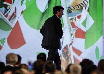 Il segretario reggente del PD Maurizio Martina all'hotel Ergife durante l'Assemblea Nazionale del Partito Democratico, Roma 19 maggio 2018. ANSA/GIUSEPPE LAMI