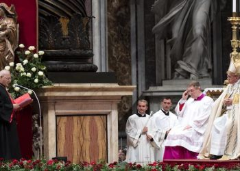 Louis RaphaÎl I Sako of Chaldean Catholic Patriarch of Babylon from Iraq (L) reads a message to Pope Francis during a mass to create 14 new cardinal from 11 countries during the Ordinary Public Consistory in Saint Peters Basilica at the Vatican, 28 Jun 2018. The cardinals-designate are from Bolivia, Iraq, Italy, Japan, Pakistan, Poland, Portugal, Peru, Madagascar, Mexico and Spain. ANSA/CLAUDIO PERI
