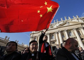 Faithful from China during weekly general audience in St. Peter's Square at the Vatican, Wednesday, November 22, 2017. ANSA/Fabio Frustaci