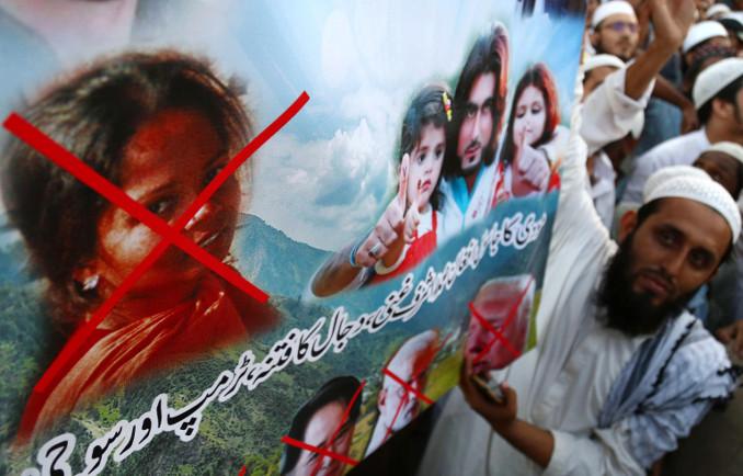 Proteste degli estremisti islamici in Pakistan per l'assoluzione di Asia Bibi