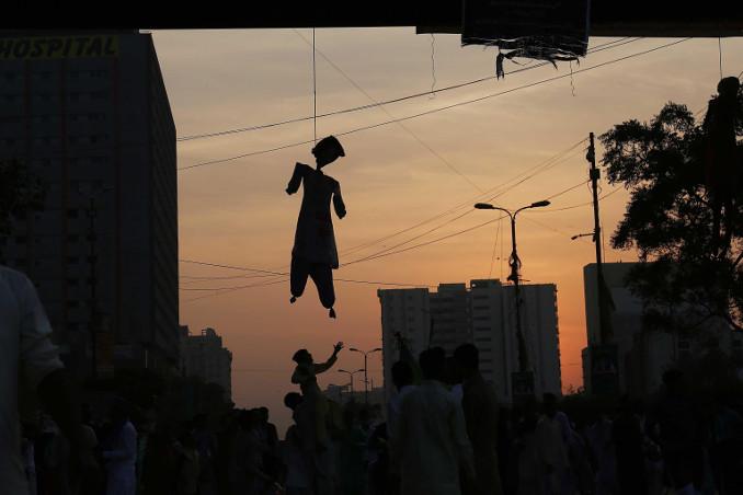 Protesta degli estremisti islamici in Pakistan per l'assoluzione di Asia Bibi