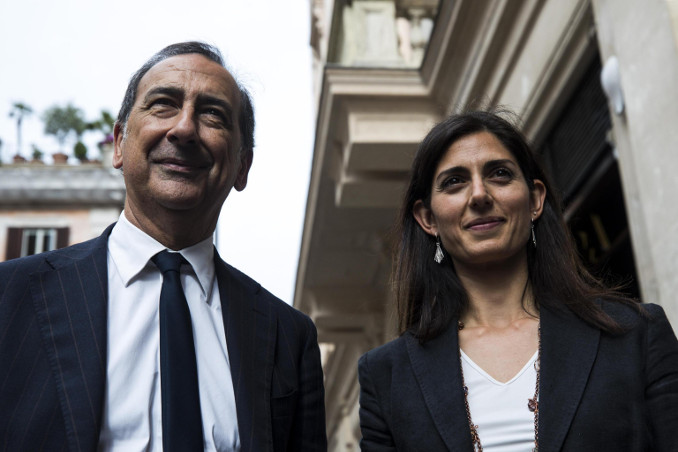 Beppe Sala, sindaco di Milano, con Virginia Raggi, sindaco di Roma