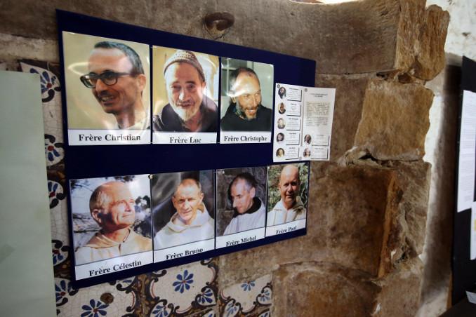 Foto dei monaci martirizzati nel 1996 nel monastero di Tibhirine, Tunisia