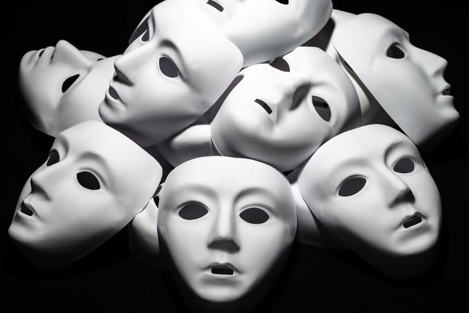 Maschere bianche neutre