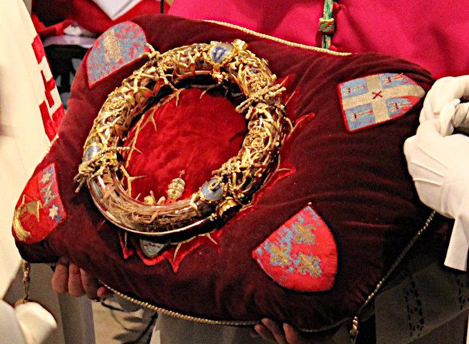 La Corona di spine conservata nella cattedrale di Notre-Dame di Parigi