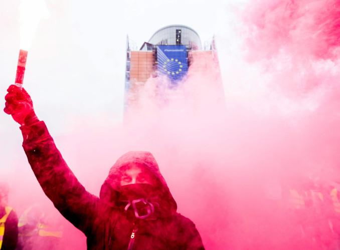 Protesta contro l'Unione Europea a Bruxelles
