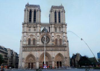 La cattedrale di Notre Dame di Parigi dopo l'incendio