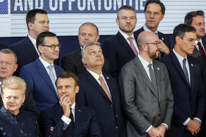 Viktor Orban, Emmanuel Macron e altri leader europei a Bruxelles