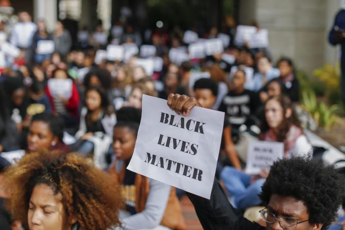 Protesta di studenti neri in un campus americano