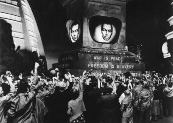 Un fotogramma del film 1984 ispirato al romanzo di George Orwell