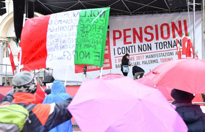 Una manifestazione per le pensioni a Torino nel 2017