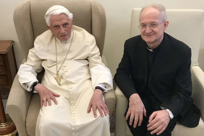 Papa Benedetto XVI con monsignor Livio Melina