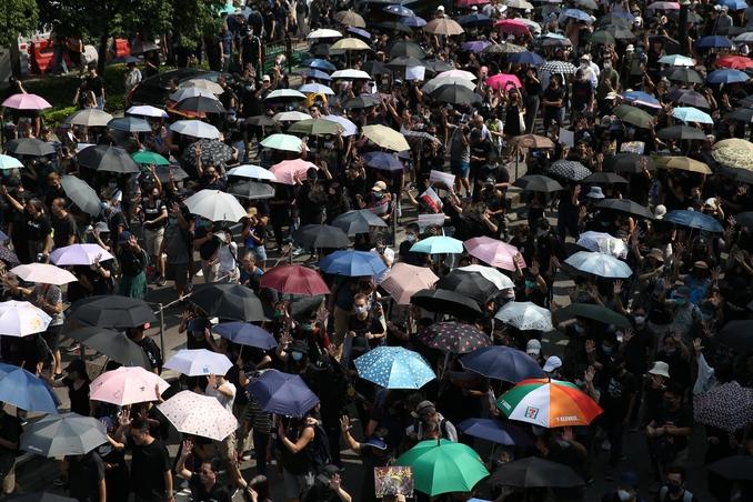 protesta hong kong cina