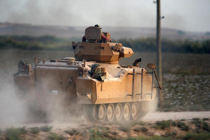 Blindato turco diretto in Siria