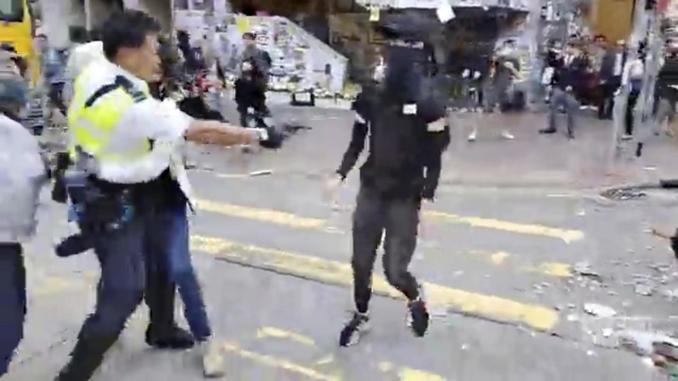 hong kong polizia violenze proteste