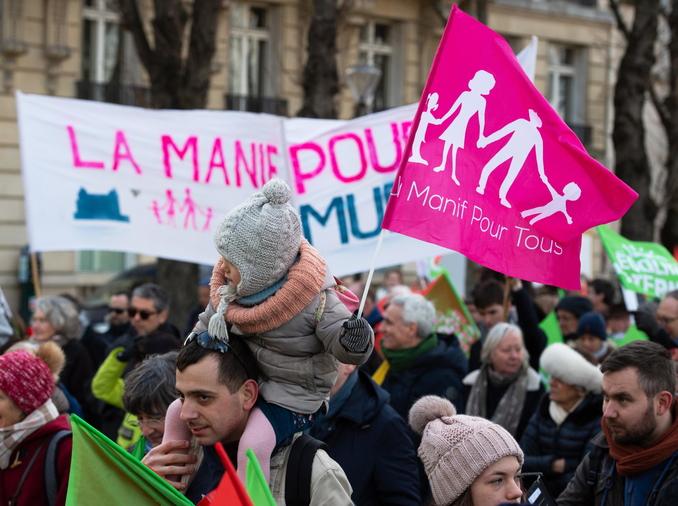 francia bioetica protesta