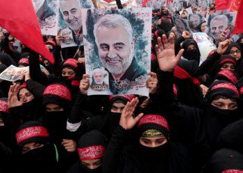 Protesta in Pakistan per l'uccisione del generale iraniano Soleimani da parte degli Stati Uniti