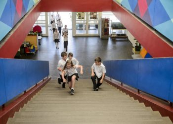 Ingresso degli alunni a scuola