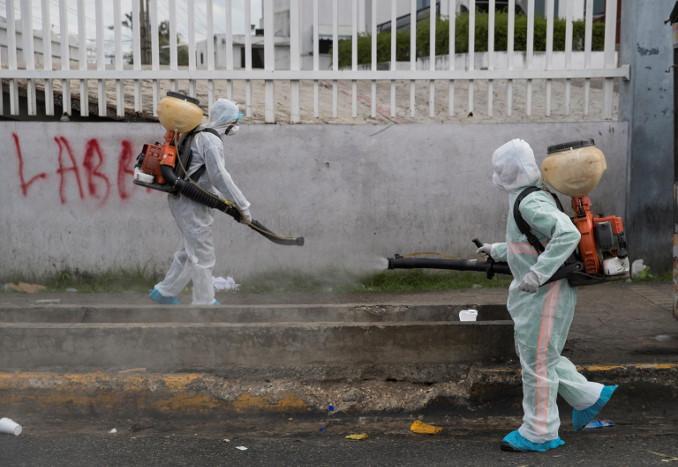 Sanificazione contro il coronavirus a Santo Domingo